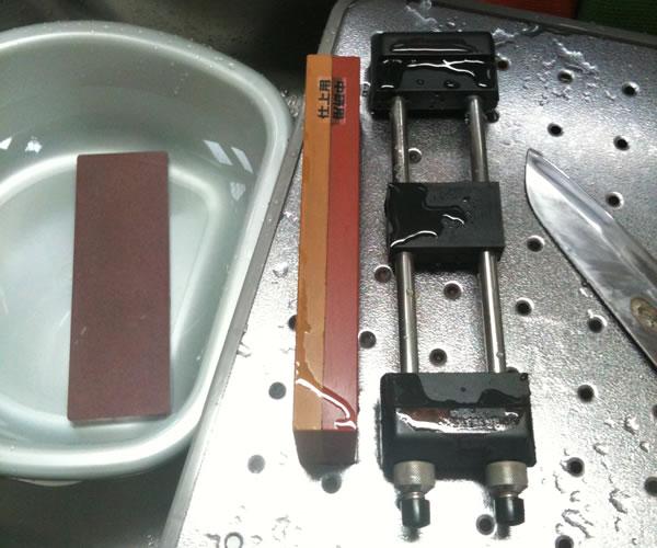 秋月電子通商で売られている棒状のLEDライト(シンク内)