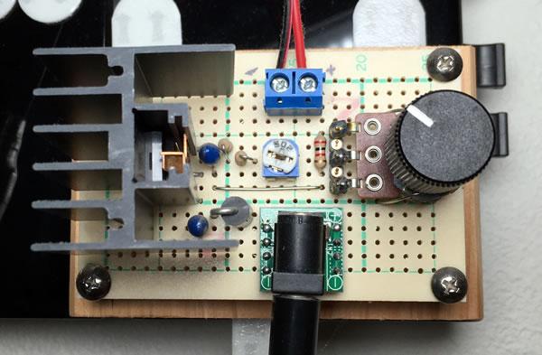 低損失可変レギュレーターPQ20RX11を使用した調光器(Version 2) 1回路バージョン