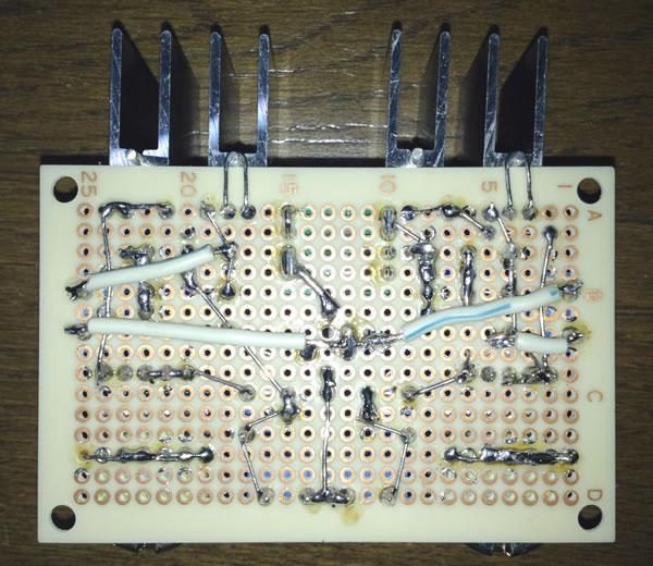 低損失可変レギュレーターPQ20RX11を使用した調光器(Version 2) 2回路バージョン 基板裏側