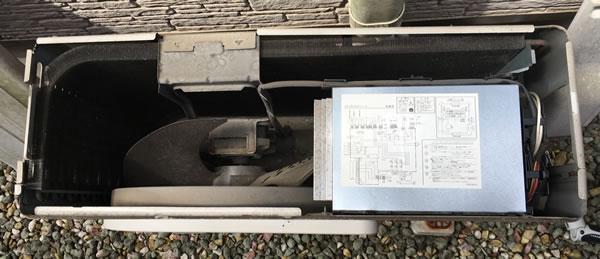 エアコン修理(上蓋を開ける)