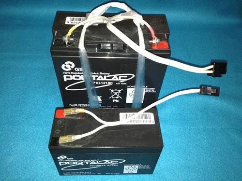 UPSから取り出したバッテリーにコネクター装着