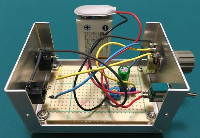 微調整用マイクアンプ ケース内部の半田付け